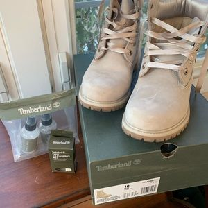 Timberlands never worn boots with silk laces